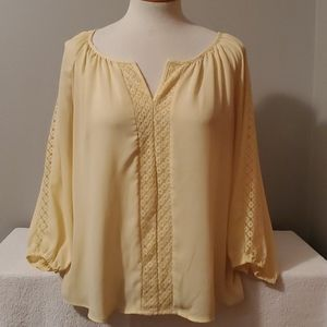 Ladies pale yellow blouse